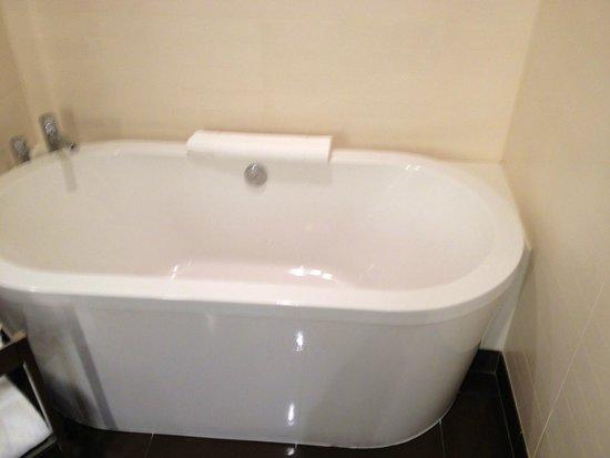 Vdara Hotel & Spa: Large Soaking Tub