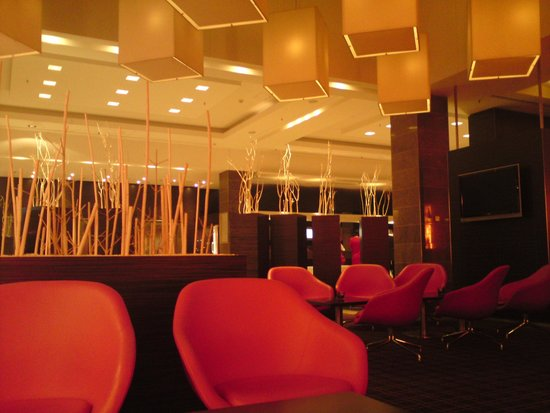 Novotel Berlin Am Tiergarten : Bar et accueil