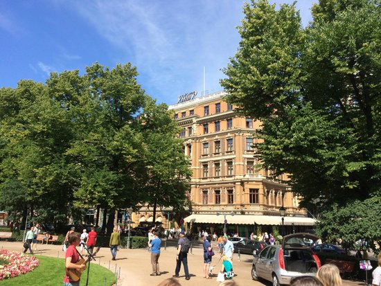 Hotel Kamp: A view from the Helsinki Esplanade
