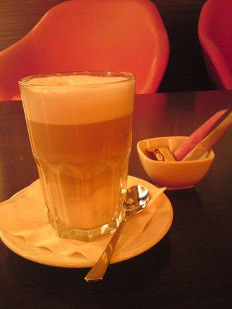Novotel Berlin Am Tiergarten: Latte Macchiato