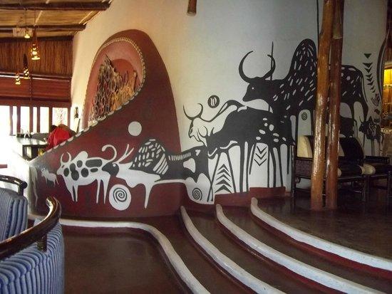 Amboseli Serena Safari Lodge: Bar entrance