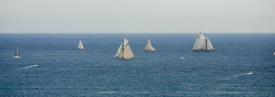 Hotel Arts Barcelona: Sailing ships played outside our windows.