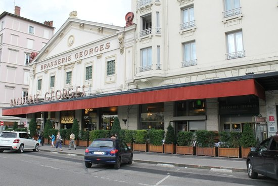 Brasserie Georges (front)