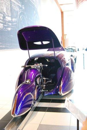 Louwman Museum The Hague: een motor die je gewoon in je auto rijdt... foto (c) margot van den boer