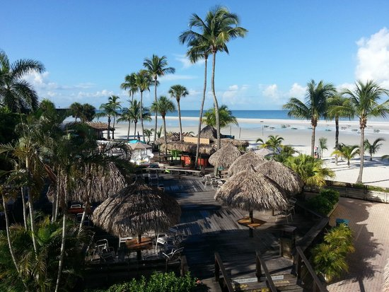 Outrigger Beach Resort: plage