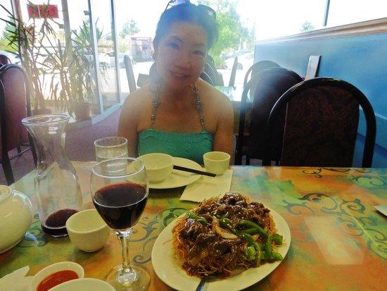 On Yuen Resturant : Looking towards front window