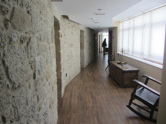 Hotel Rustico Vila Do Val: Pasillo de la segunda planta.