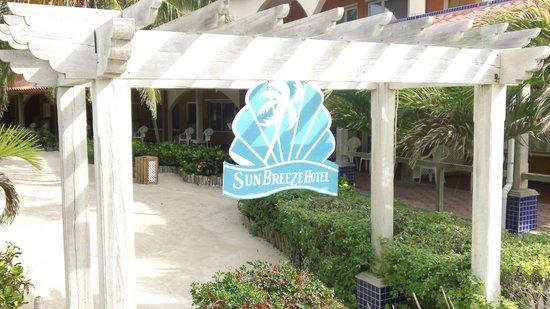 SunBreeze Hotel : Beach Entrance