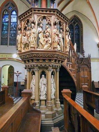 De Krijtberg - Sint Franciscus Xaveriuskerk: The Interior