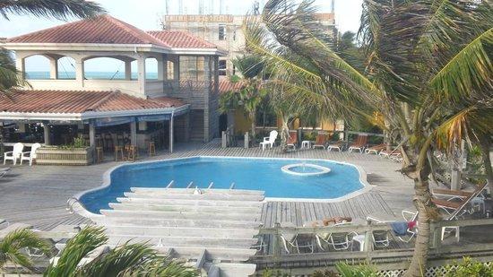 SunBreeze Hotel: Very nice pool