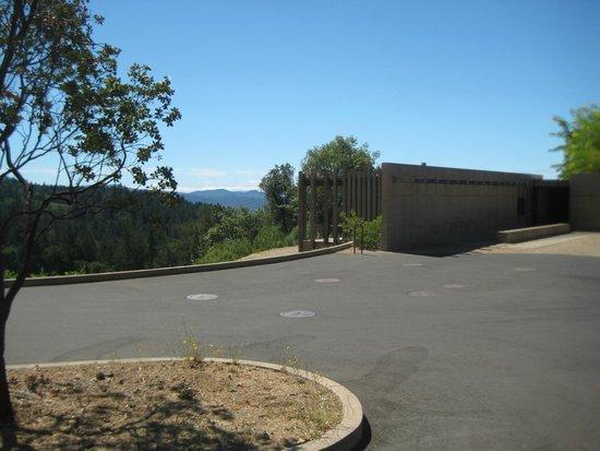 CADE Winery: Entrance