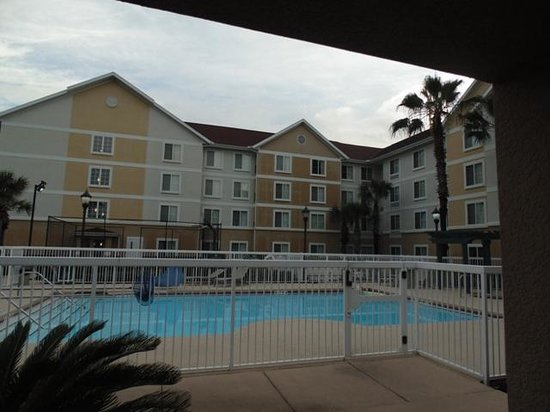 Homewood Suites Gainesville : Pool Area