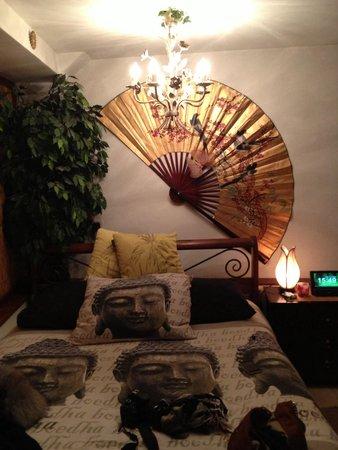 B&B Barangay: Our room