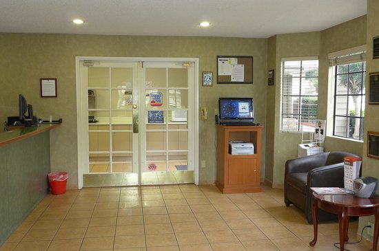 Good Nite Inn - Calabasas: Lobby