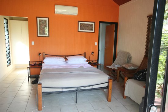 Mary River Wilderness Retreat & Caravan Park: Pool bungalow room