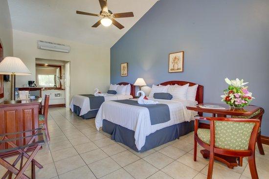BEST WESTERN Belize Biltmore Plaza Hotel: Standard Room