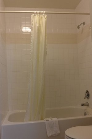 Good Nite Inn - Calabasas: Bathroom