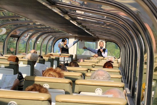 The Rocky Mountaineer Train: Gold Leaf service