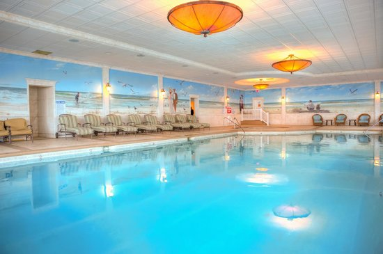 The Grand Hotel: Olympic size Indoor Pool, always 86 degrees!