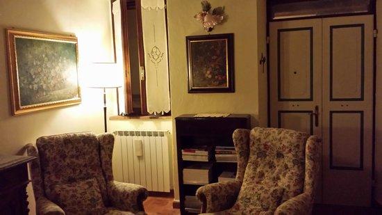 Torre Sangiovanni Albergo e Ristorante : sogg.piano terra 2 camere