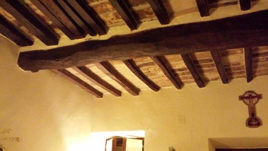Torre Sangiovanni Albergo e Ristorante : dettaglio soffitto