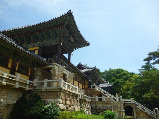 Bulguksa Temple: Древний вход в храм