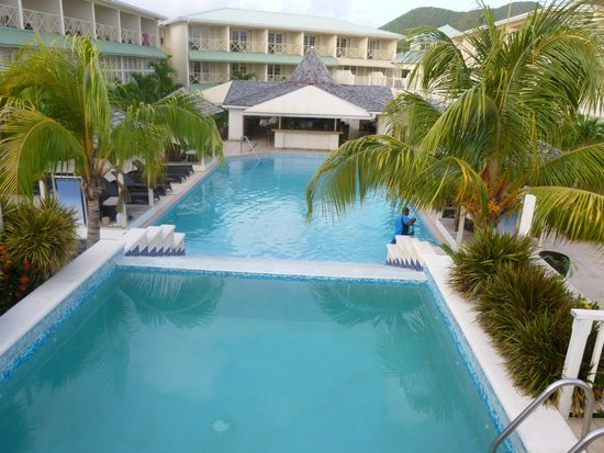 blu St Lucia : Hotel view from top pool