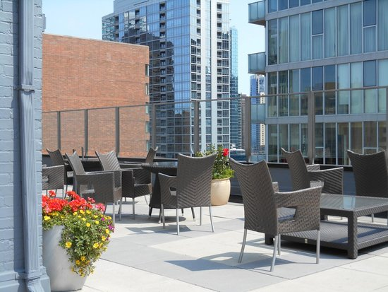 Inn of Chicago: Outdoor Patio on 22nd floor
