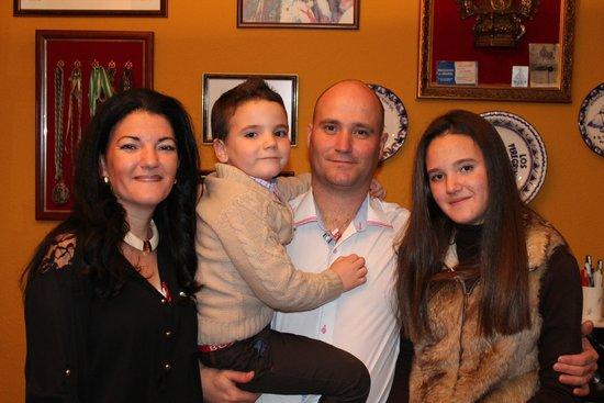 Pueblo Evita Club : LA FAMILIA JOSE ,MARI,MARIA,JOSELILLO,SERRANO PEREZ