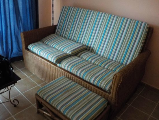 Memories Caribe Beach Resort: sofa