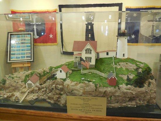 Maine Lighthouse Museum: Diorama of Portland Head Light