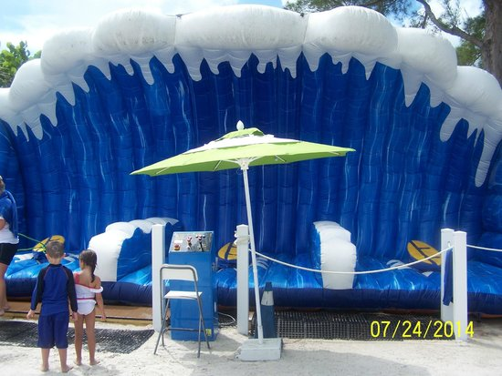 Guy Harvey Outpost, a TradeWinds Beach Resort: The Wave