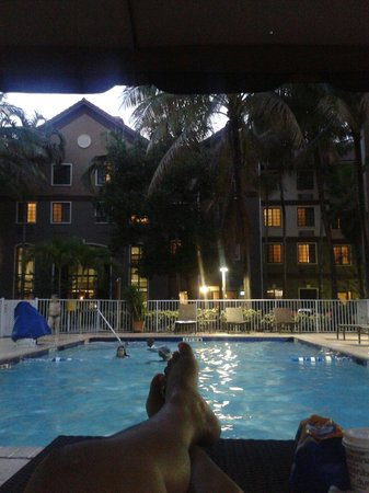 Staybridge Suites Ft. Lauderdale Plantation: Pool area. Nice and relaxing....