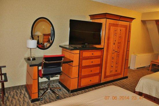 Luxor Hotel & Casino : Room