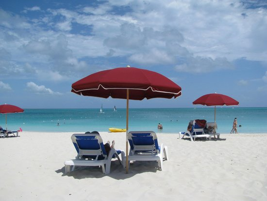 Royal West Indies Resort : resort beach