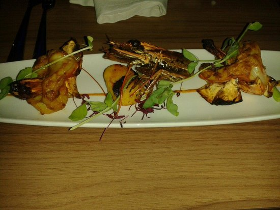 Yukti: Tandoori king prawn & scallop