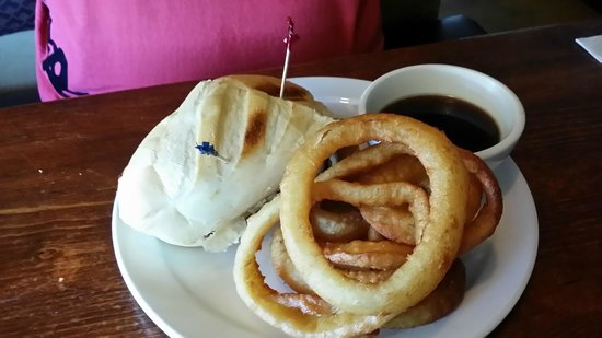 Creston, CA: Lovely onion rings and Dip
