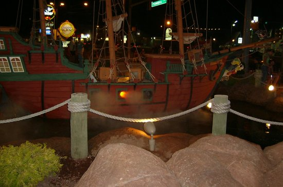 Ember Island Miniature Golf: The Pirate Ship cannon fire