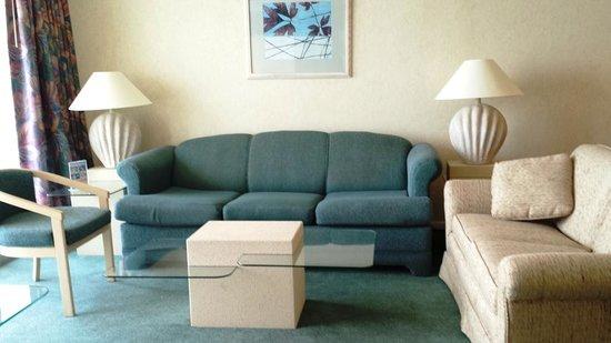 Sands Beach Club Resort: Living Room