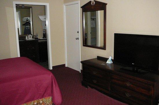 BEST WESTERN Eureka Inn: TV