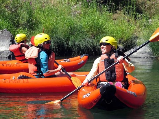 Rogue River Raft Trips - Day Adventures: Individual kayaks are a kick!