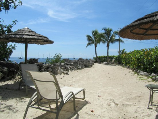 Mariner's Resort Villas & Marina : Private beach