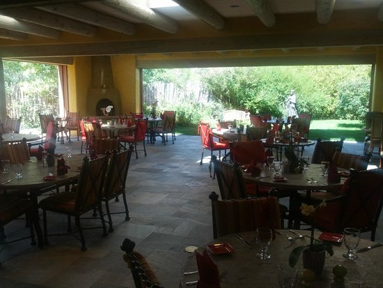 Hotel Santa Fe: newly built outdoor patio, excellent for dinner