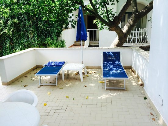 Continental Mare Hotel: Semi- Private Patio for Room 101