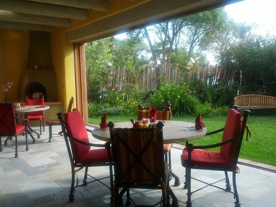 Hotel Santa Fe, The Hacienda and Spa : outdoor patio