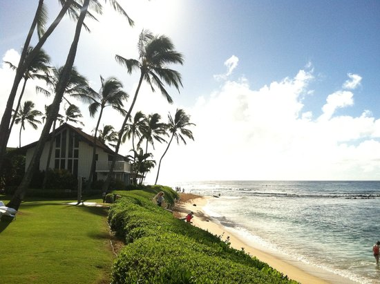Kiahuna Plantation Resort: Picture of the beach at the resort
