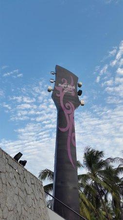 Hard Rock Hotel Pattaya : ホテルの象徴