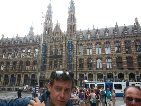 Omy Amsterdam Tours: Historical building turned mega shopping mall.
