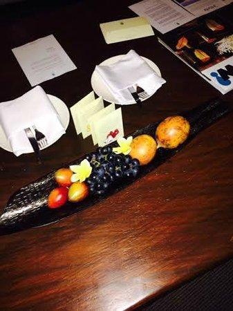 Banyan Tree Ungasan, Bali: welcoming exotic fruits