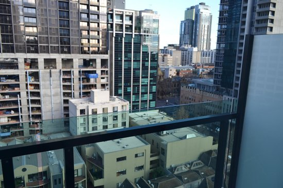 Fraser Place Melbourne: Вид из окна